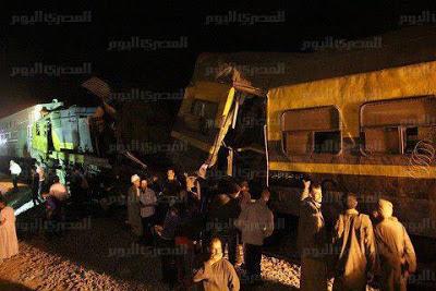 انقلاب عربة قطار حربي محملة بالجنود في البدرشين