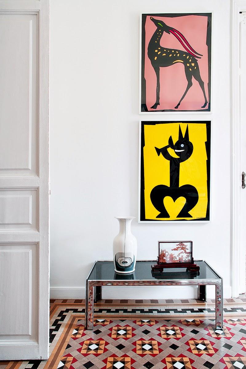 Keltainen talo rannalla modernia v ri ja taidetta - Atelier valencia ...