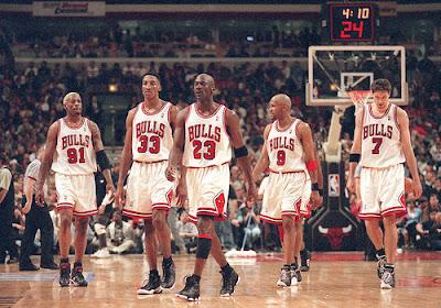 Rodman (91), Pippen (33), Jordan (23), Harper (9) y Kukoc (7)