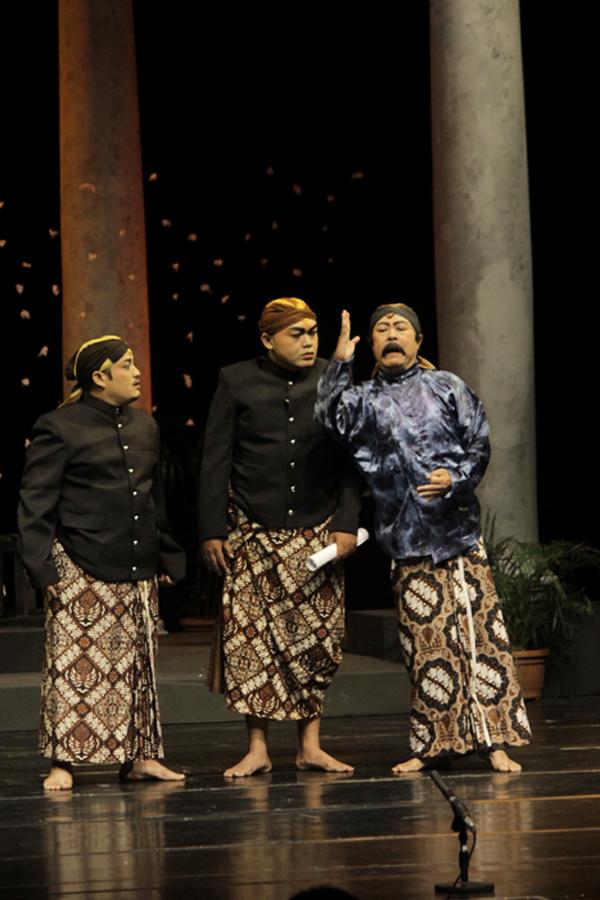 Kesenian Ketoprak-pun Mengkritisi Negara Indonesia