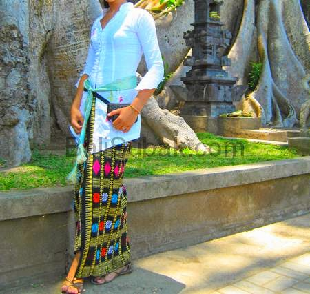 Balinese traditional dress for girls