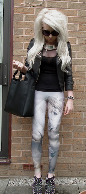 Sammi Jackson - The Majestic Horse Lovelysally leggings