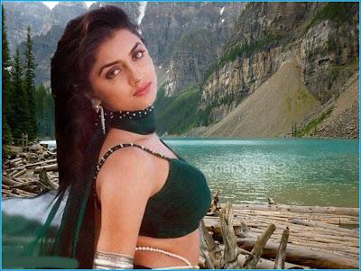 Saira Khan hot