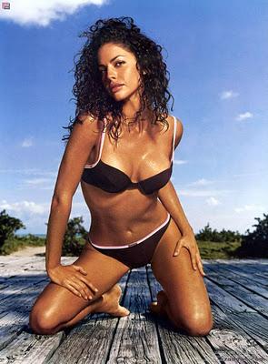 Celebrity Screensaver Wallpaper Picture Theme Beach Bikini