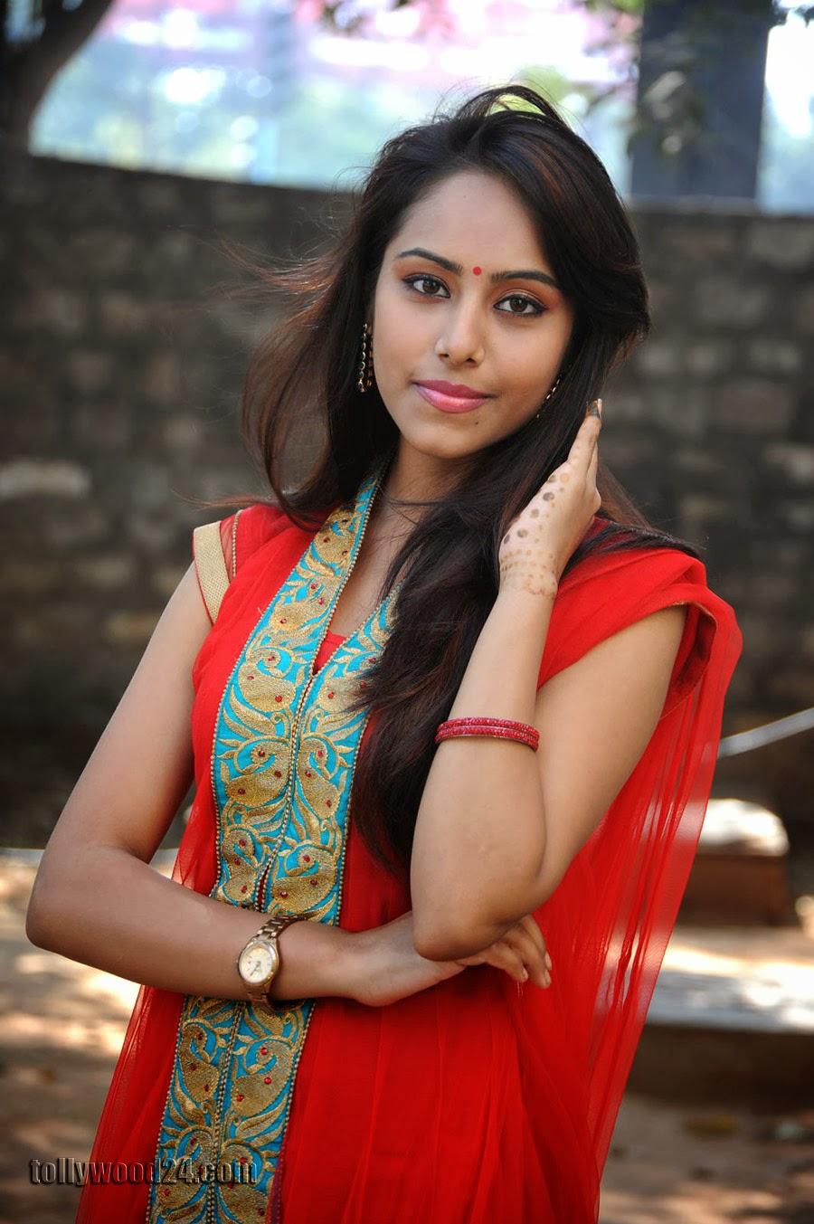 Beautiful Khenisha Chandran Photos Gallery-HQ-Photo-8