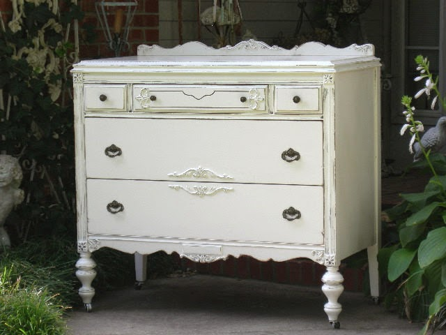 How to Antique Furniture White