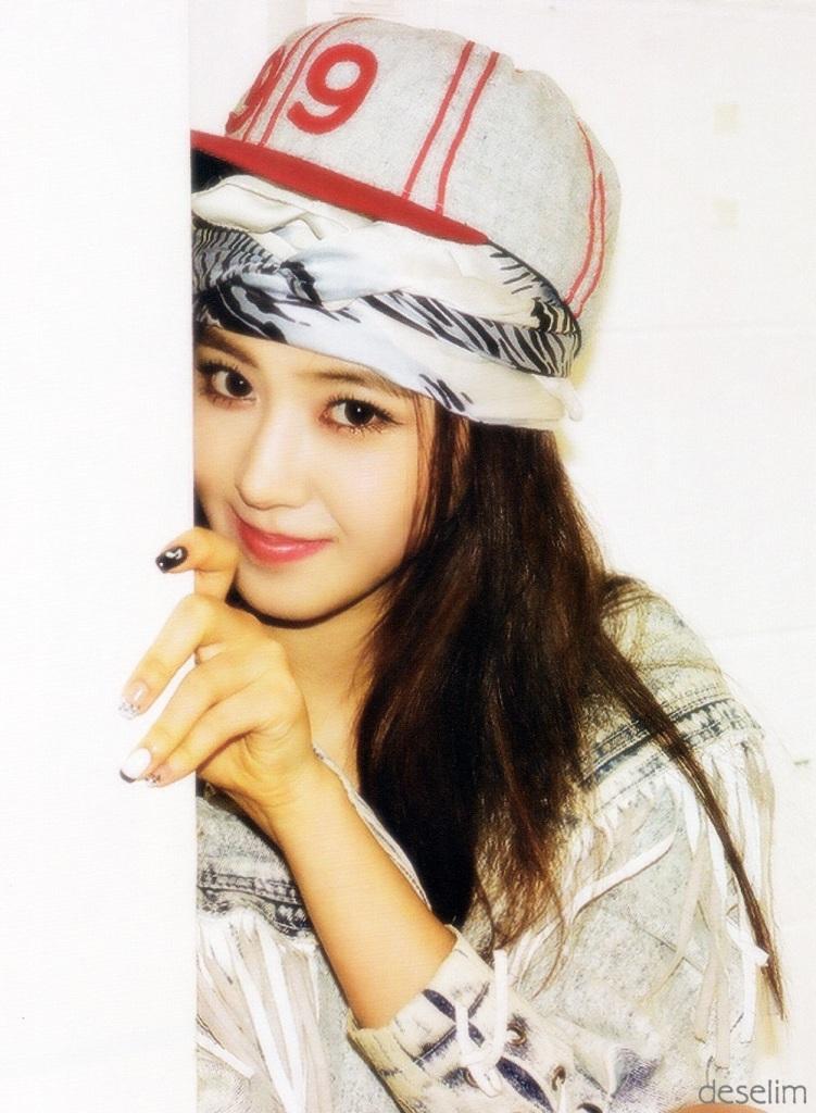 Yuri kwon snsd 21 rose 3