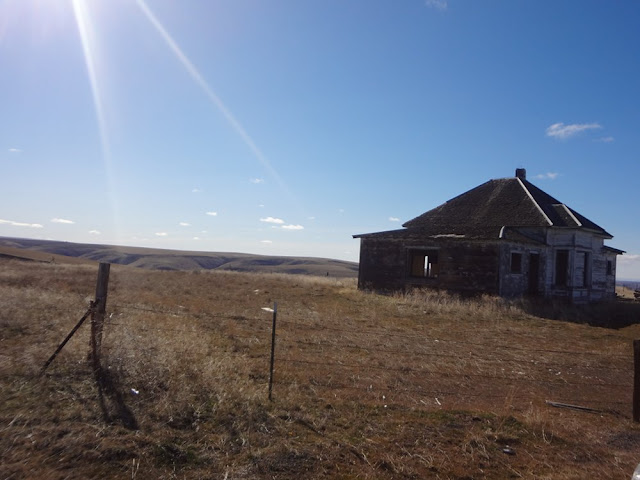 abandoned house oregon desert