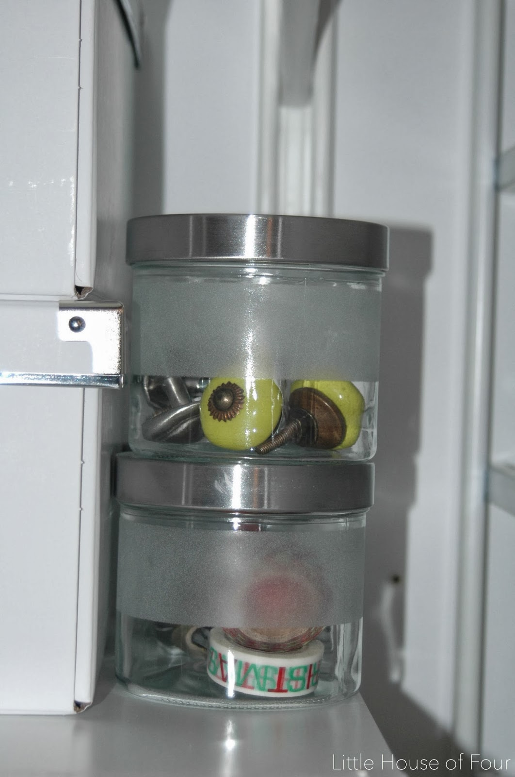 Organizing Knobs In Glass Jars