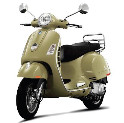 2011-Vespa-GTS-300
