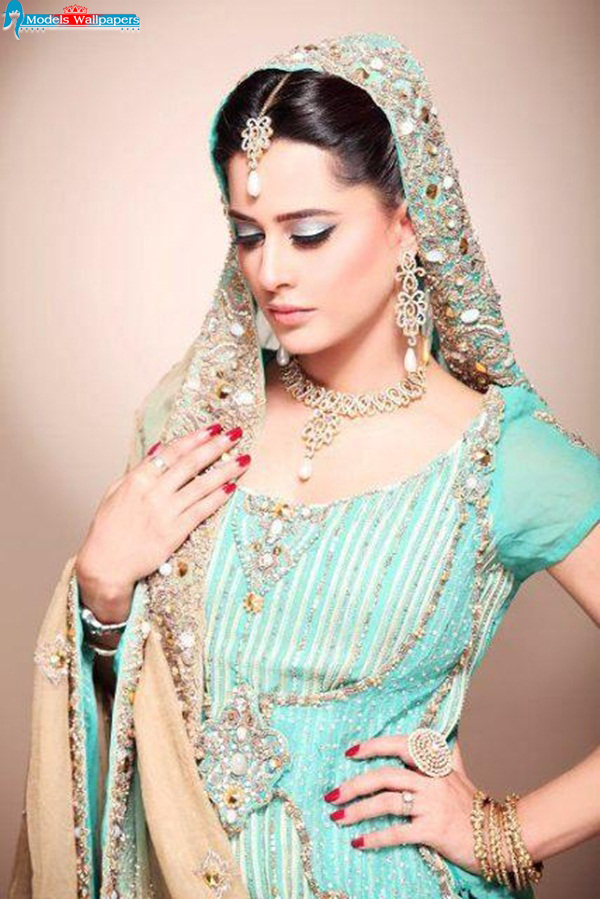 Models Accessories Mehreen Raheel