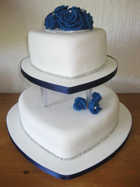 Wedding Cake Designs Blue And White : A Wedding Addict: Dark Blue Wedding Cake Special Snow Angel