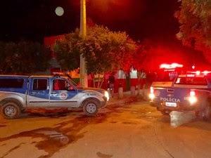 Homem foi assassinado dentro de bar em Barreiras (Foto: Jadiel Luiz / Blog do Sigi Vilares)