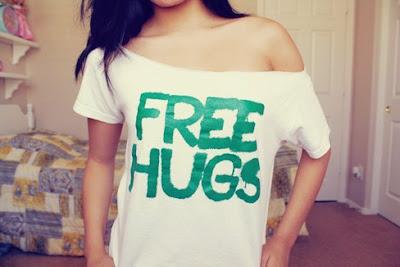 blusa free hugs