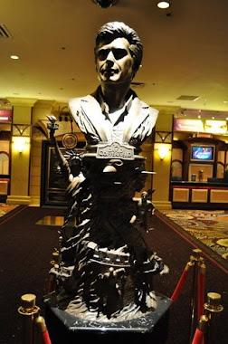 Statue of David C. at MGM Grand Lobby