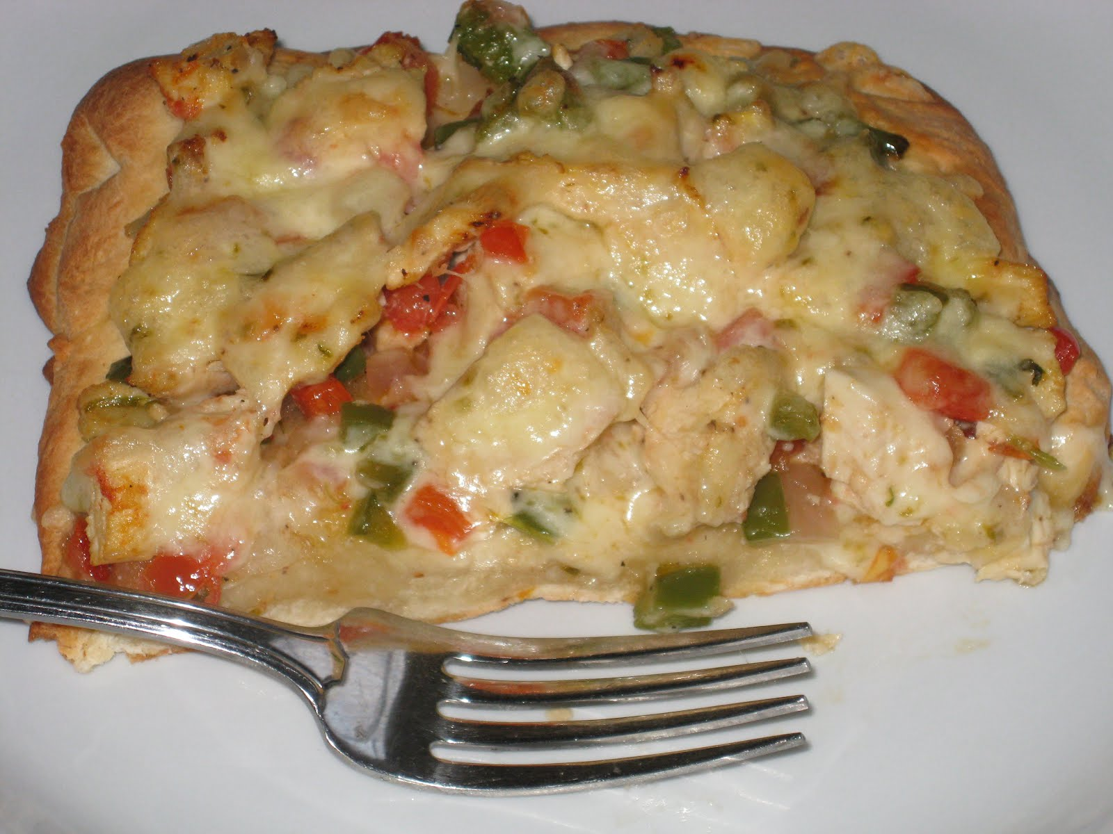 Bonz Blogz: Spicy Chicken and Pepper Jack Pizza