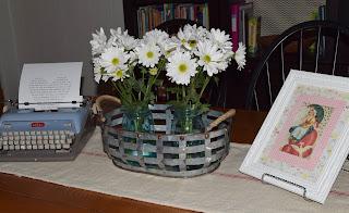 "alt=""Valentines Day typewriter printable daisies vintage postcard"""