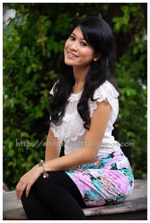 Kenali Selebriti Blogger   Siti Fathiyah