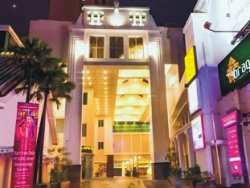 Hotel Murah Dekat Pasar Baru Bandung - favehotel Braga