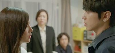 Han Chae Ah as Seo Yoo Kyung, challenges Park Se Joo played by Jung Yong Hwa.