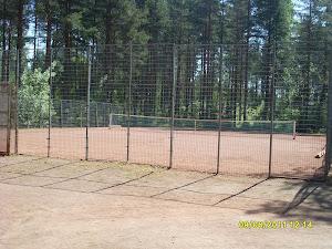 Ylöjärven Vuorentaustan tenniskentällä tenniskursseja yhteisten aikataulujen mukaan?
