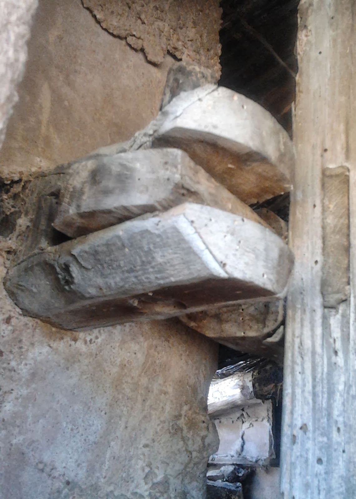 Aventuras en la palma d ebre bisagras de madera - Bisagras para madera ...