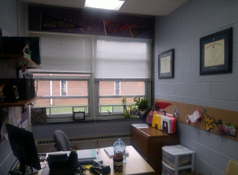25 Original High School Counseling fice Decorating Ideas