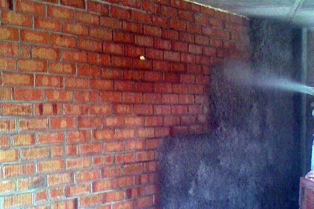 Marzua aislamiento t rmico y ac stico con celulosa proyectada - Aislante termico para paredes ...
