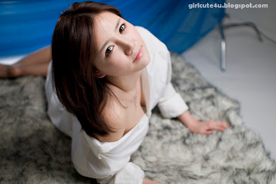 Han-Ga-Eun-Fur-Rug-08-very cute asian girl-girlcute4u.blogspot.com