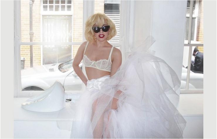 Lady Gaga autografió urinario y ahora está a la venta por $ 460.000