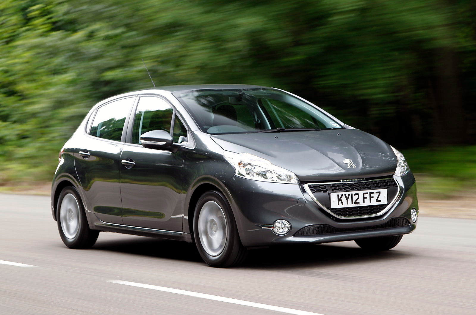 2013 peugeot 208 review car information news reviews. Black Bedroom Furniture Sets. Home Design Ideas