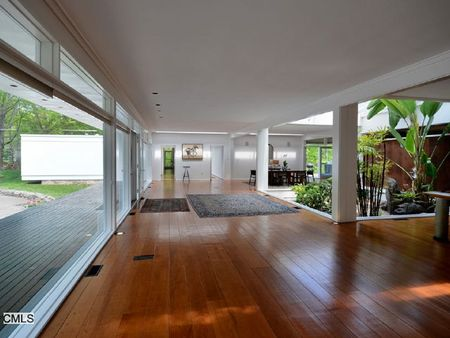 Spyvibe modern lair for sale for Modern glass house for sale
