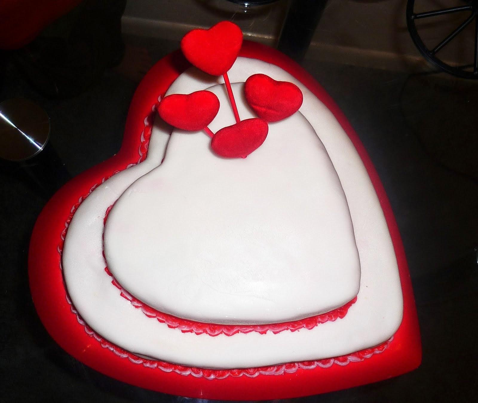 HD BIRTHDAY WALLPAPER : Birthday Cakes