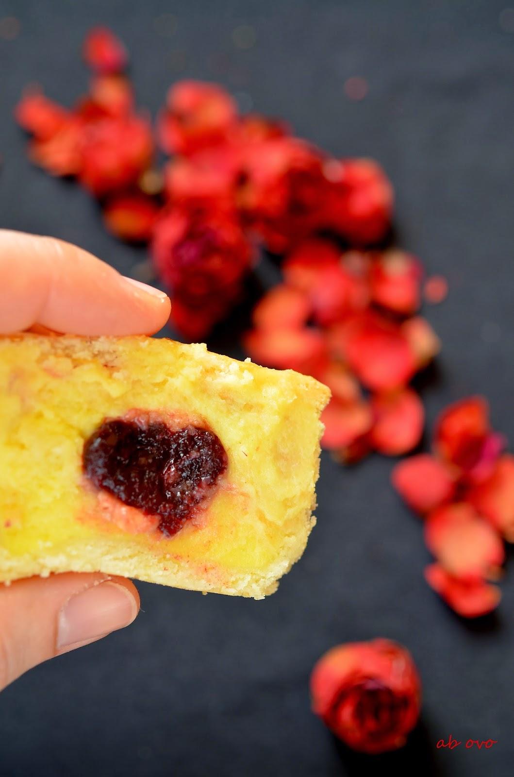 Pasticciotti-leccesi-crema-e-amarena