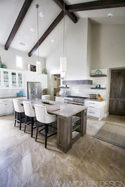 fine kitchen island which doubles as breakfast table