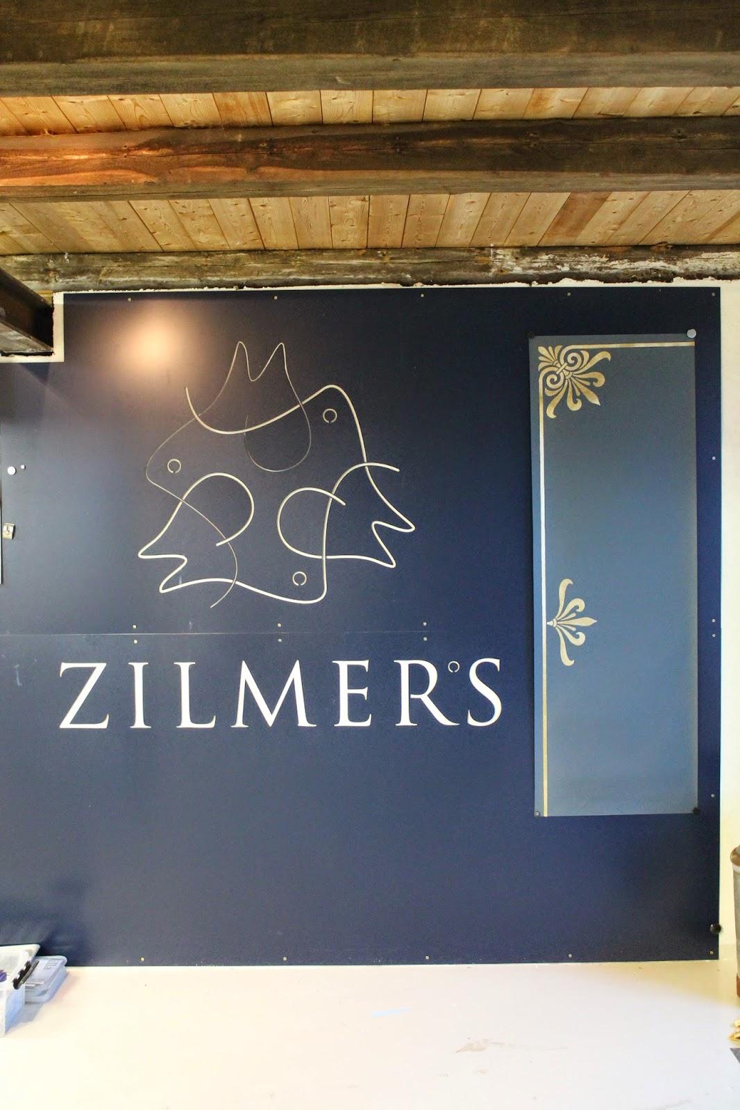 Zilmers_bespoke_gilded_wallpaper