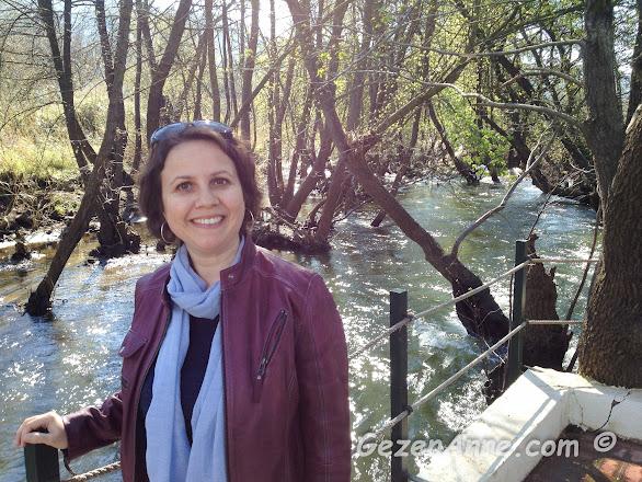 ünlü ve lezzetli pideleri için uğradığımız Mavi Pide'de dere kenarında, Marmaris Datça yolu Muğla