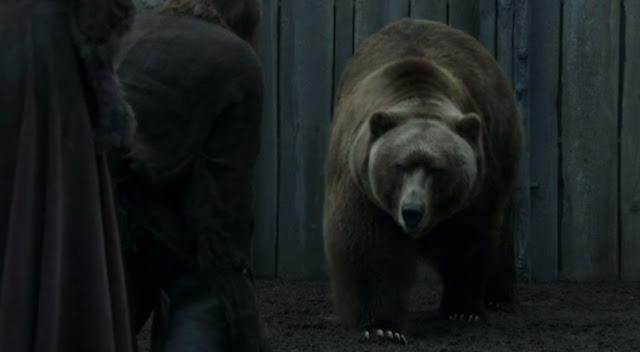 Jaime y Brienne con el oso - Juego de Tronos en los siete reinos