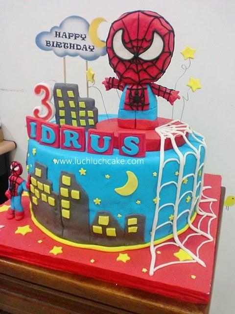 kue tart ulang tahun anak laki-laki hias fondant spiderman