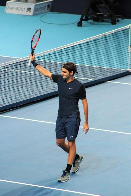 Roger Federer winning
