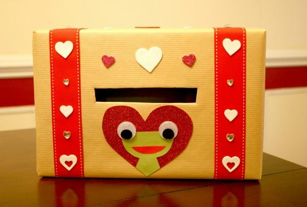 http://www.iamthatlady.com/valentines-day-box/