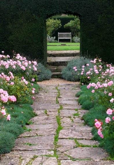 Case e giardini rinnovare il vialetto in giardino - Vialetto giardino economico ...