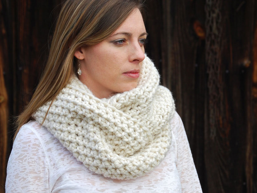Free Crochet Pattern For A Cowl : Crochet in Color: Effortless Cowl