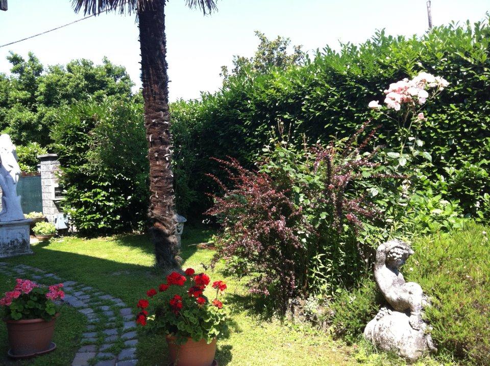 B b apartment cosi 39 come a casa il giardino d 39 estate - Il giardino d estate ...