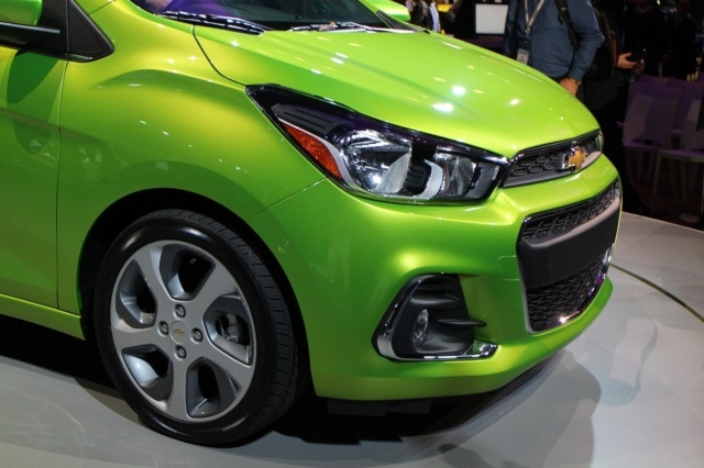 can-canh-chevrolet-spark-2016-2