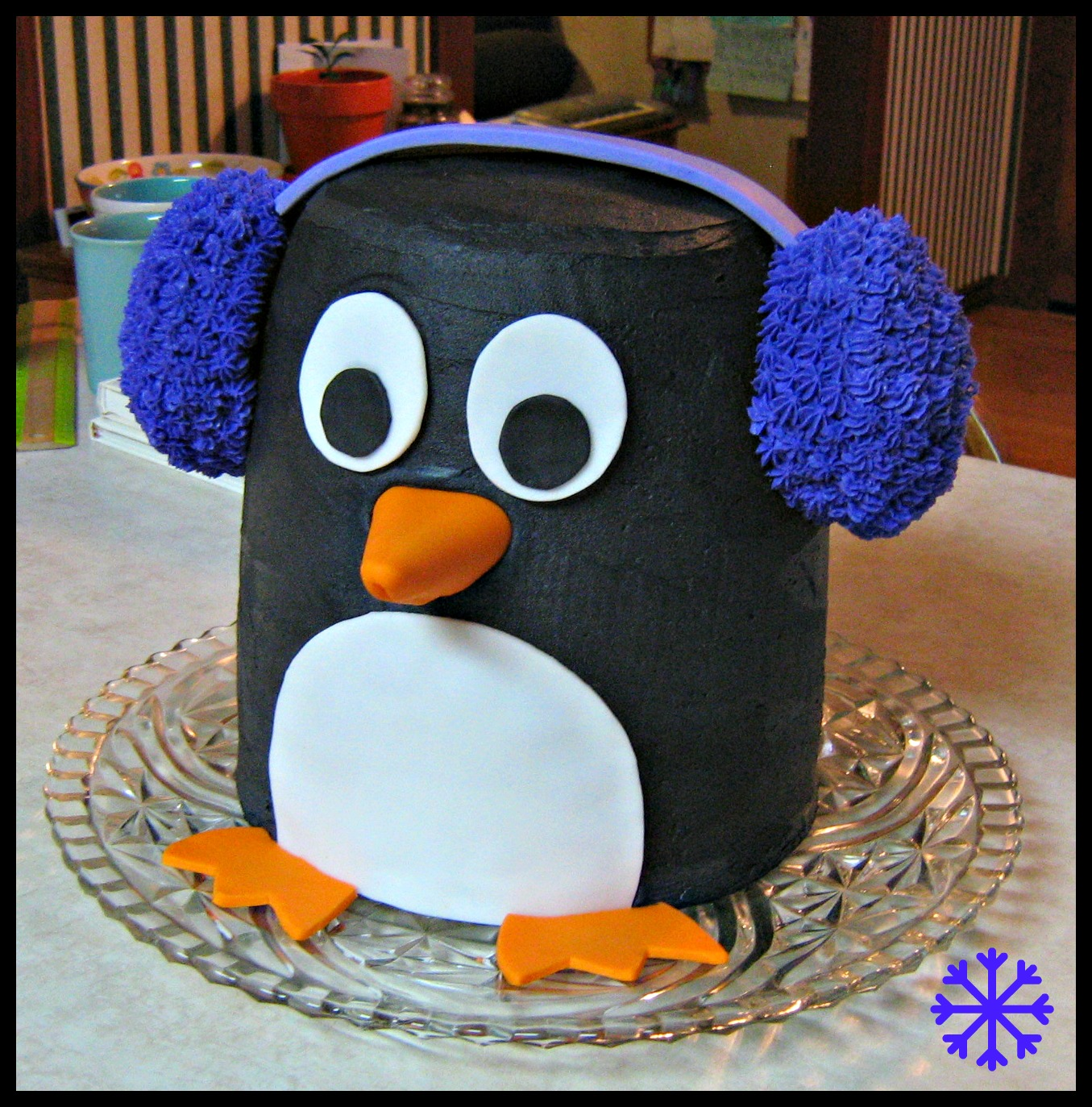 [Image: penguin+earmuffs+cake2.jpg]