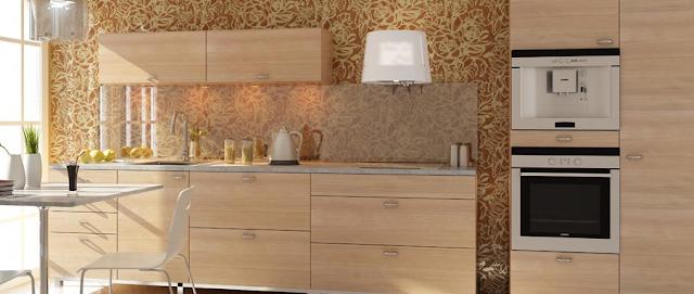 cocina-madera-con-pared-decorada