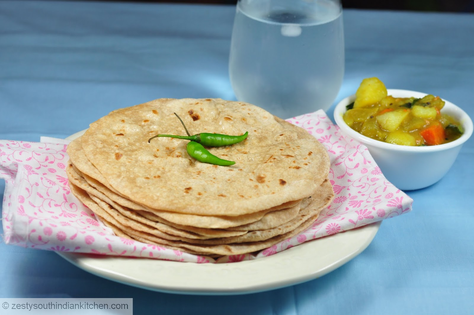 How to make Chapati/Chapathi: Indian Whole wheat flat ...