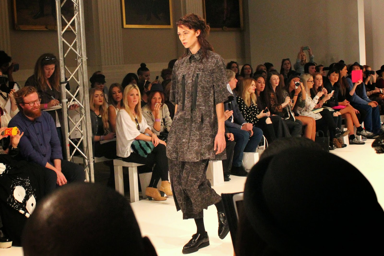 london-fashion-week-2014-lfw-spring-summer-2015-blogger-fashion-Dioralop-catwalk-models-freemasons hall-fashion-scout-shirt-trousers-shoes