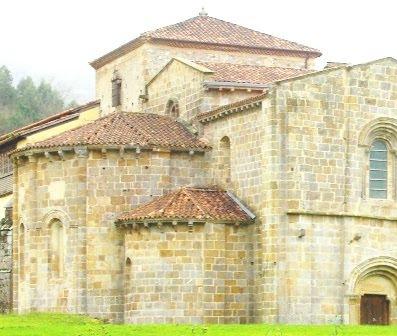 Villaviciosa, Valdediós, monasterio de Santa María, exterior